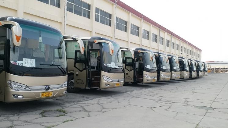 万驰客运  48座客车